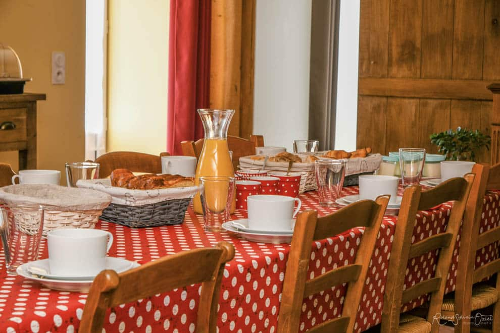 Petit déjeuner et table d'hotes à base de produits frais puy du fou