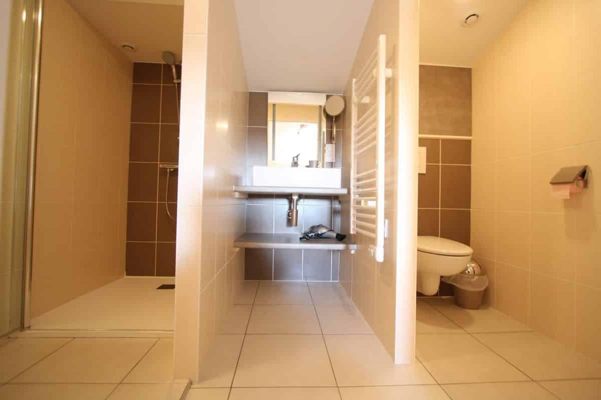 Grande suite de chambres d'hotes salle d'eau privative