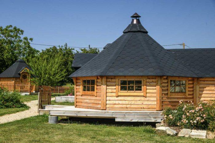 Les hébergements insolites pour se loger pas cher près du Puy du Fou