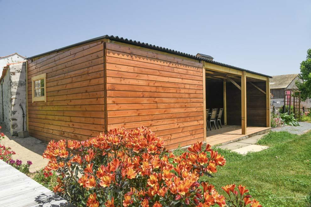 Chambres d'hôtes avec grande terrasse couverte