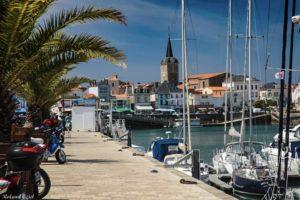 Remblai des Sables d'Olonne avec les restaurants et le Port
